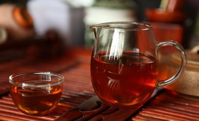 茯茶世家揭秘泾阳茯砖茶能喝的秘密